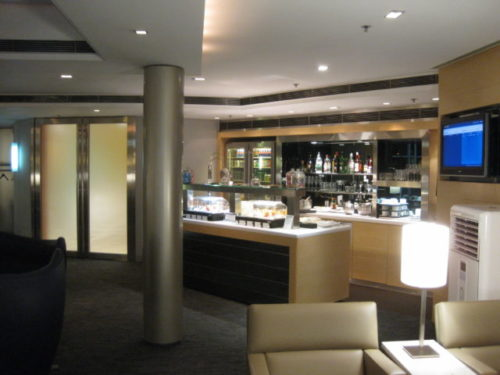 United First Class Lounge Hong Kong