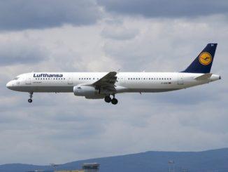 LH Airbus A321-100 im Landeanflug