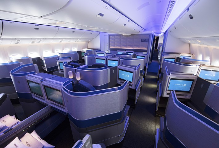 UA Polaris Business-Class (Boeing 777-300ER)