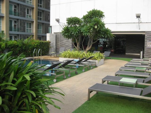 Pool des aloft Bangkok