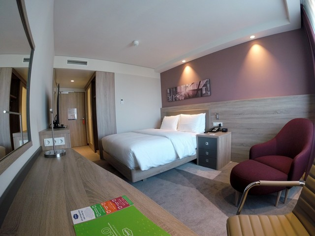 Standardzimmer im Hampton by Hilton Frankfurt East