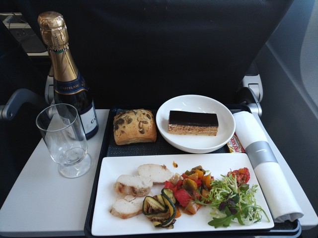 Abendessen British Airways Düsseldorf – London Heathrow im Juni 2018