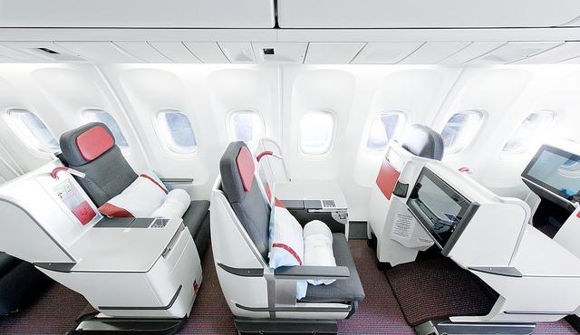 OS Business-Class (Boeing 777-300ER)