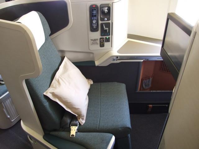 CX Business-Class (Boeing 777-300ER)