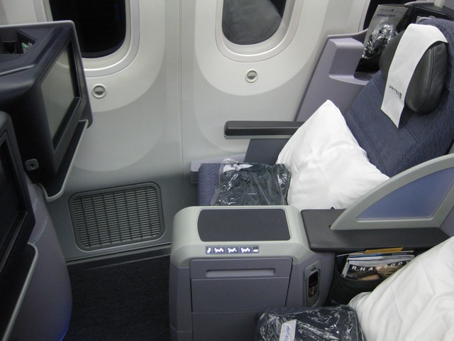 UA Business-Class (Boeing 787-9)