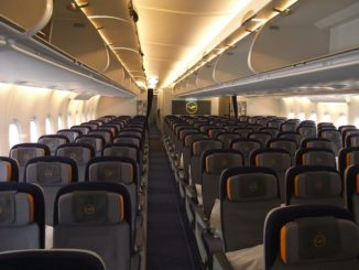 LH Economy-Class (Airbus A380-800)