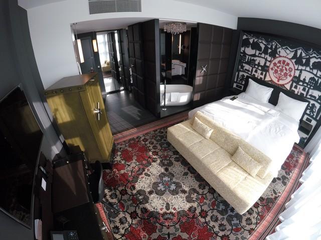 Deluxe Zimmer im Kameha Grand Zürich