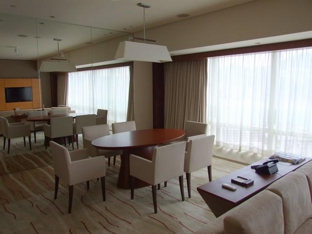 Wohnraum einer Regency Suite im Hyatt Regency Tsim Sha Tsui Hong Kong