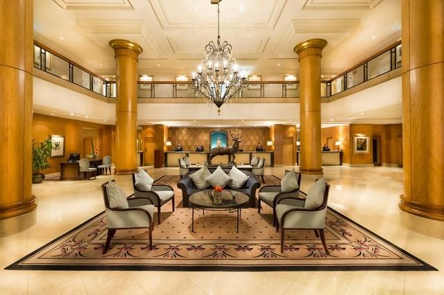 Lobby des Millennium Gloucester Hotel London Kensington