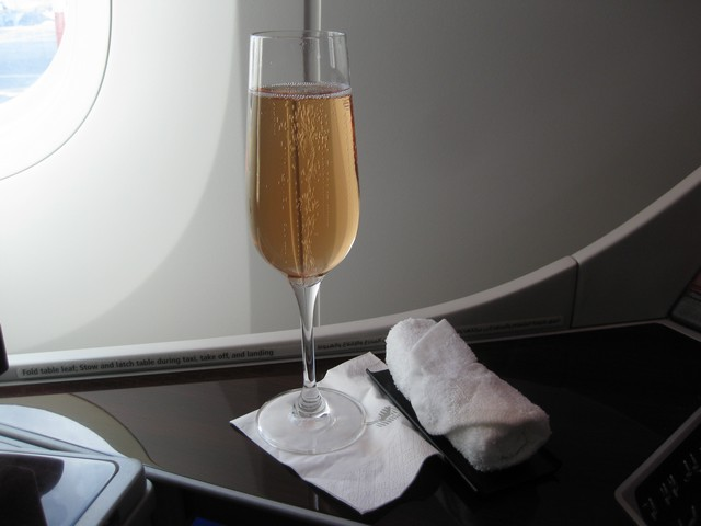 Pre-Departure Drink Business-Class / QR301 HEL-DOH