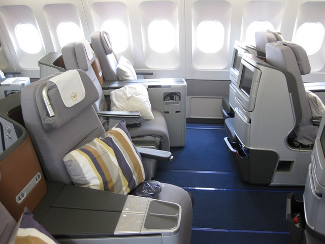 LH Business-Class (Airbus A340-300)