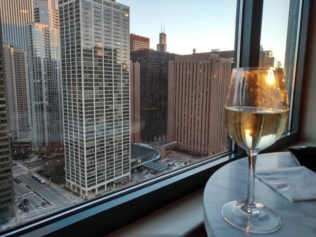 Auch in der Club Lounge - hier das Sheraton Grand Chicago - kann ein Trinkgeld in den USA empfehlenswert sein