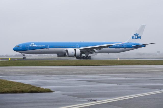 KLM 777 am Flughafen Amsterdam Schiphol