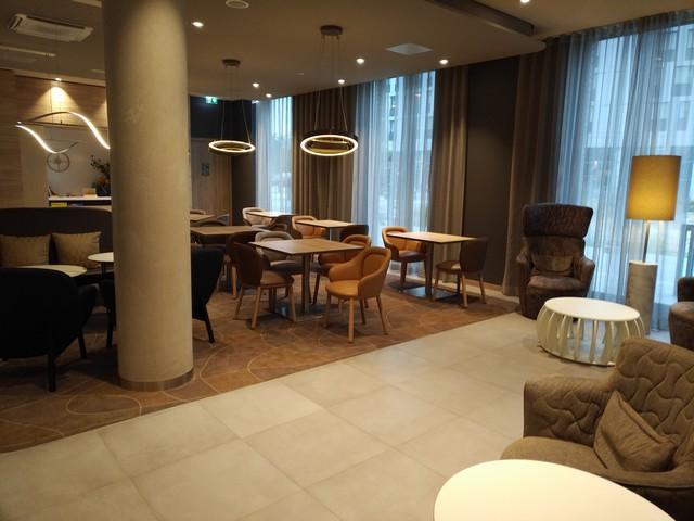 Lobby im Hampton by Hilton Frankfurt Airport