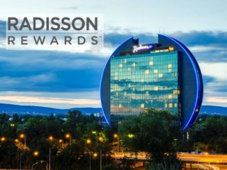Radisson Blu Frankfurt mit Radisson Rewards Logo