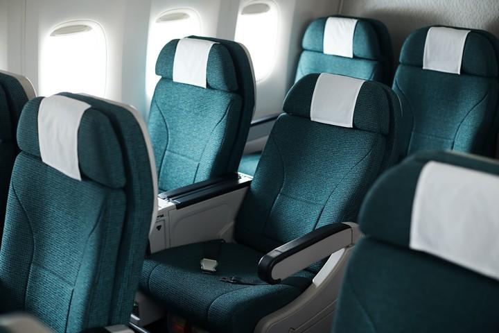 CX Premium-Economy-Class (Boeing 777-300ER)