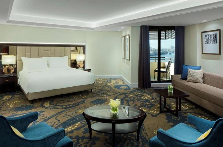 Junior Suite im Radisson Blu Hotel Dubai Deira Creek