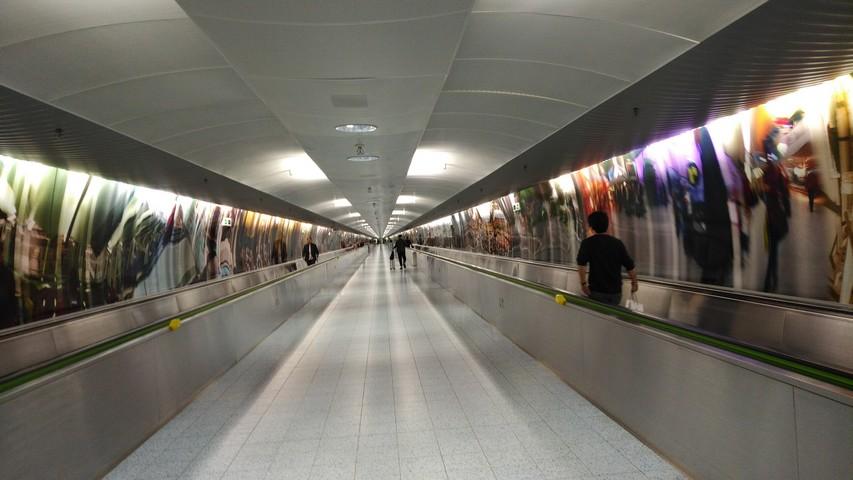 Verbindungstunnel Frankfurt International / LH778 FRA-SIN