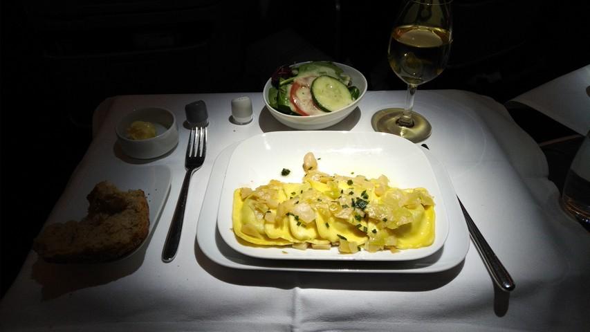 Abendessen (Hauptgericht) Business-Class / LH778 FRA-SIN