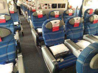 Premium-Econony-Class Sitz / LO3 WAW-ORD