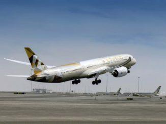 EY Boeing 787-9