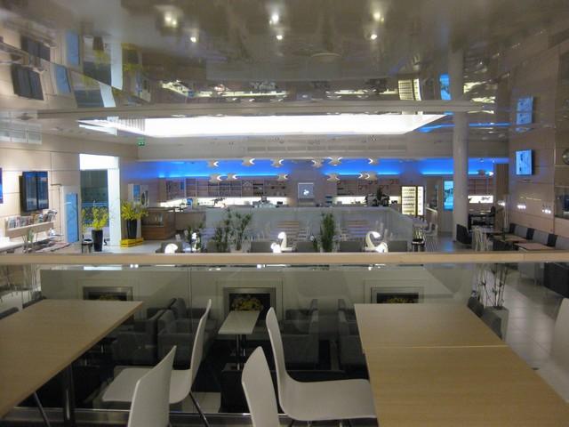 Finnair Business Lounge in Helsinki Vantaa für OneWorld Elites und Business Class Passagiere