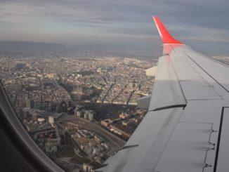 Anflug auf Wien mit Blick auf die Stadt