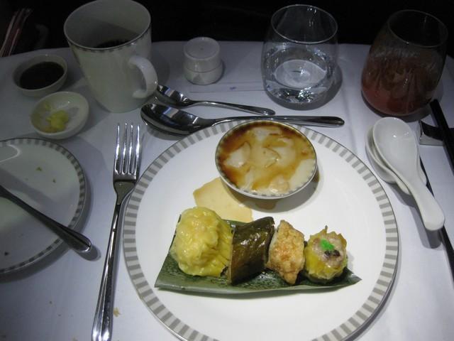 Frühstück (Hauptspeise) Business-Class / SQ356 SIN-MXP
