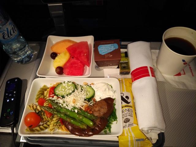 Snack vor der Landung Premium-Economy-Class/ AA101 LHR-JFK