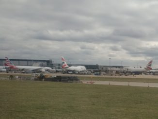 American Airlines und British Airways Flugzeuge in London Heathrow