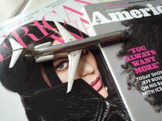 American Airlines Modellflugzeug und AmericanWay Magazine