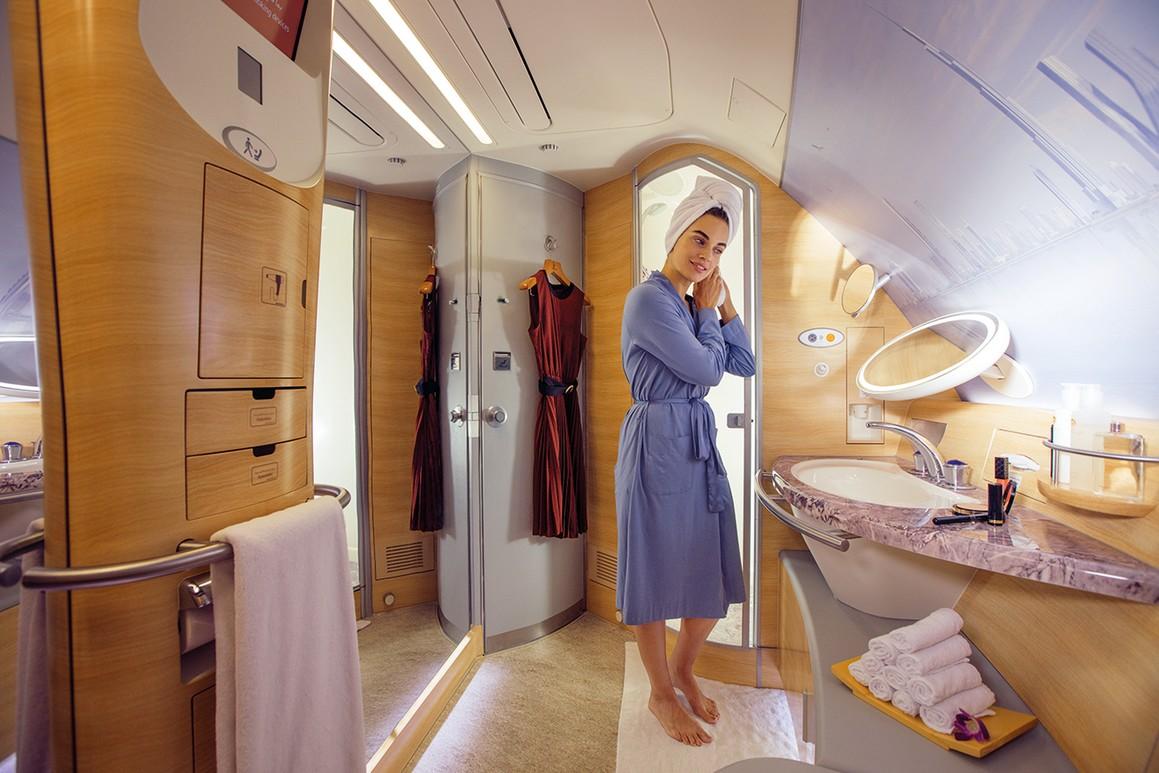 Dusche in der First-Class von Emirates Airlines im Airbus 380