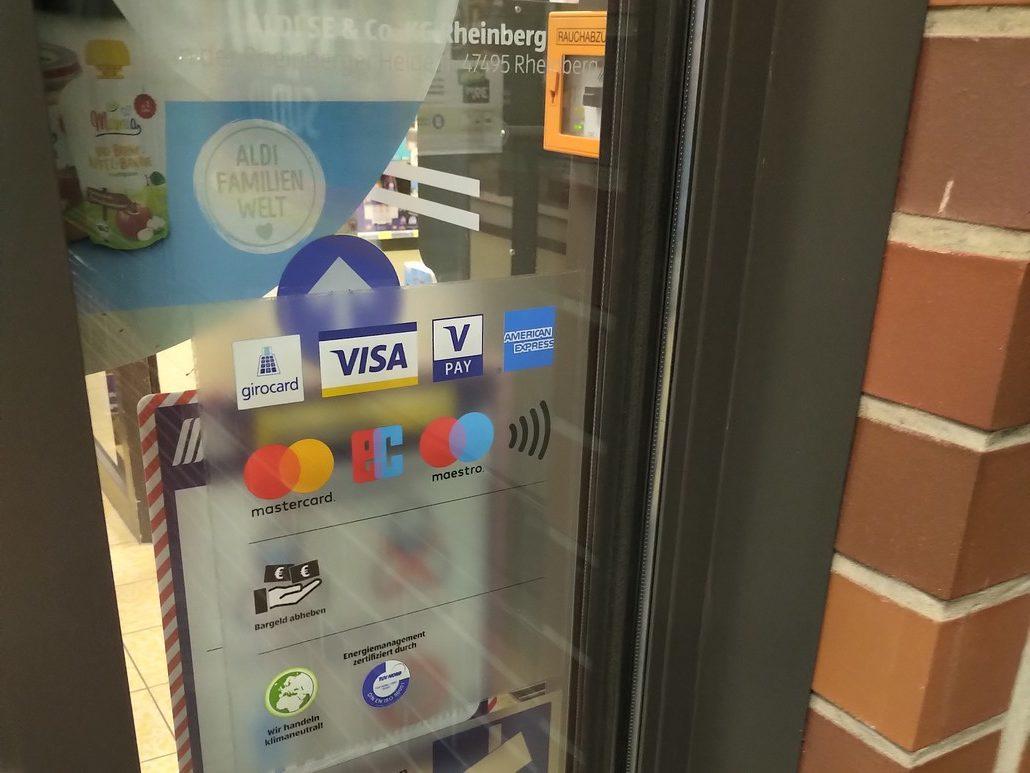 Aldi akzeptiert die Kreditkarten American Express, Mastercard und Visa