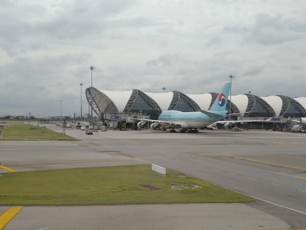 Korean Air Boeing 747-400 in Bangkok Suvarnabhumi