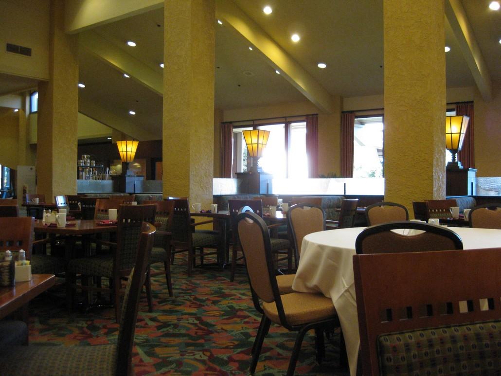 Restaurant im Doubletree Bakersfield (Juni 2021)