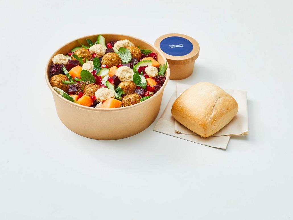 dean&david Falafel Tahini Salat und Brötchen - ein Gericht beim Neuen Catering Konzept Lufthansa ab Mai 2021
