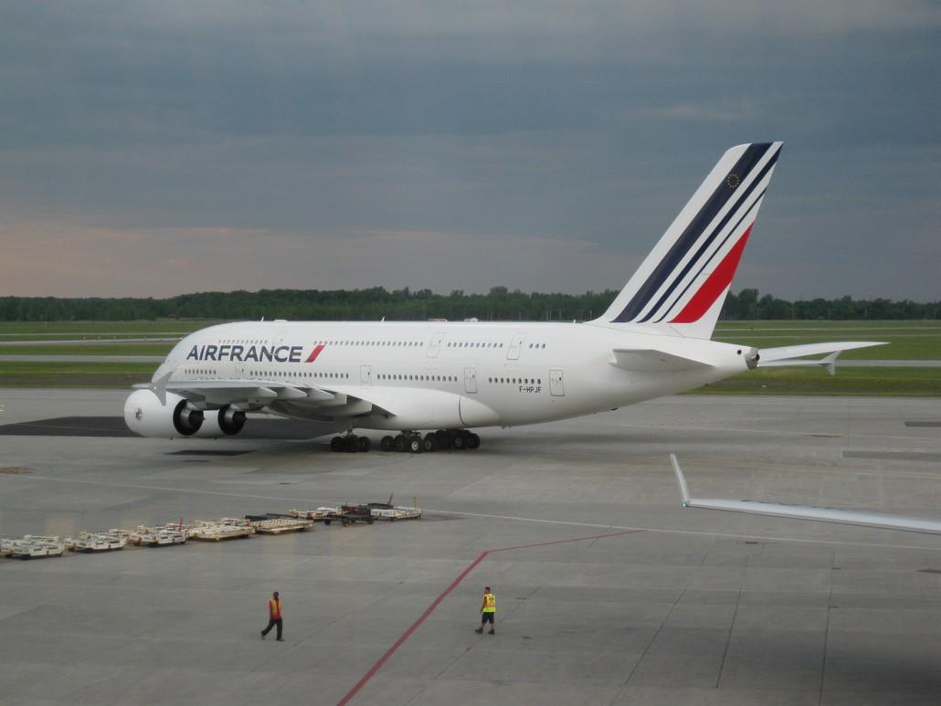 Airbus A380 von Air France am Flughafen Montreal